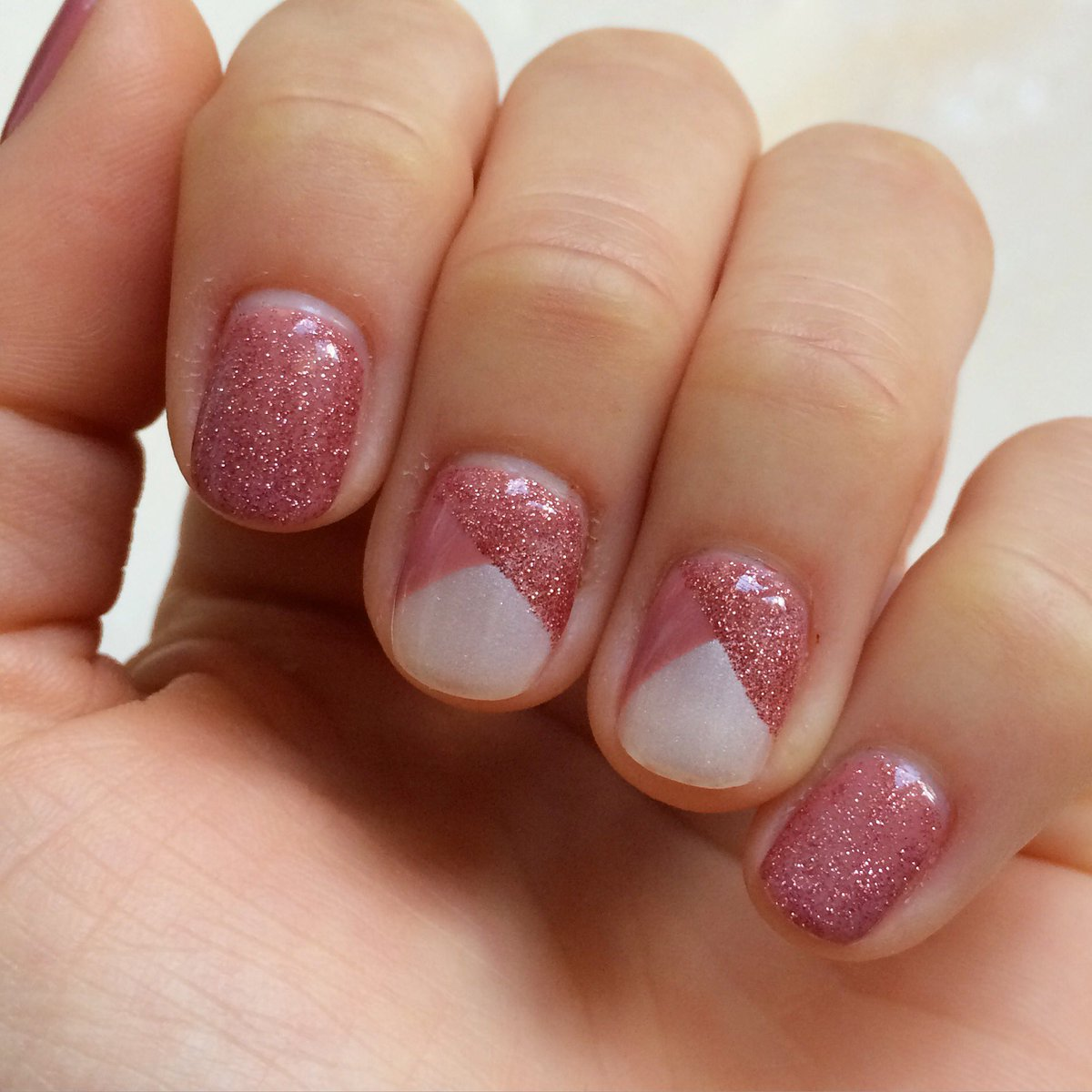 sensationail-mauve-maven-rose-gold-glitter-layers